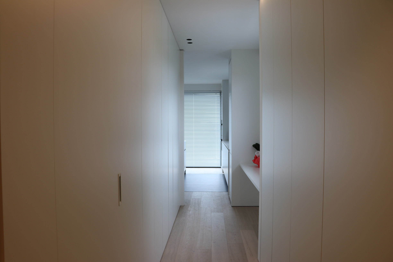 ATA Interieur - Realisatie - wit maatwerk - kasten vloerplafond
